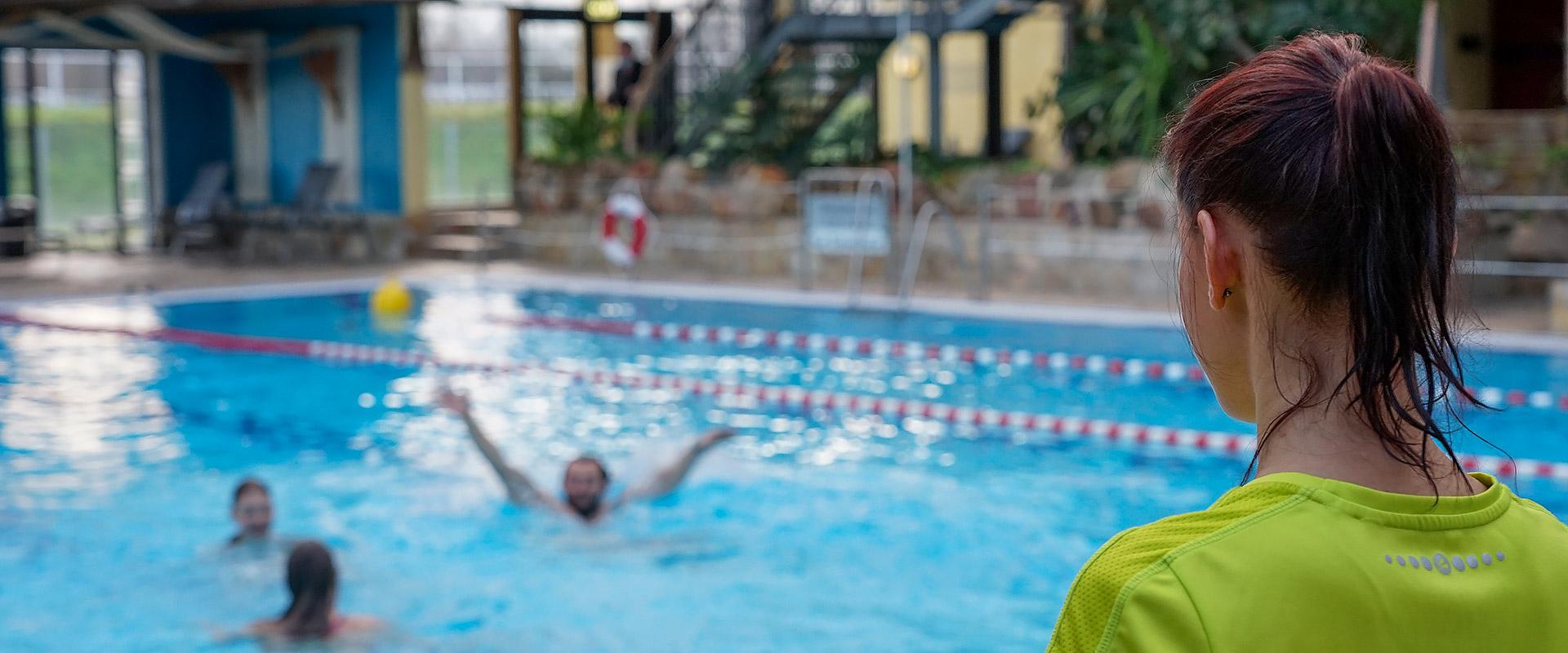 Schwimmen unter Aufsicht im Tropicana
